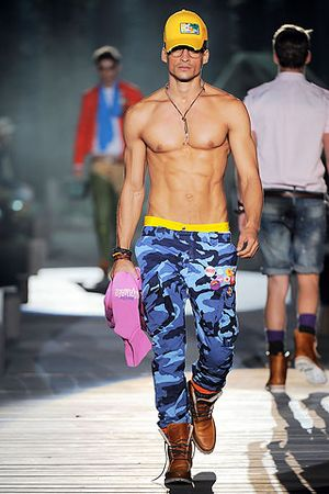 Shirtless-dude-Dsquared