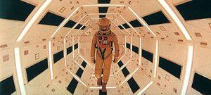 2001-spacesuit1