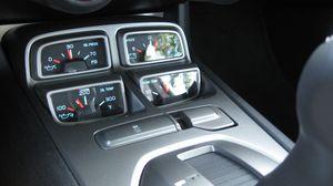 Camaro_interior_dials